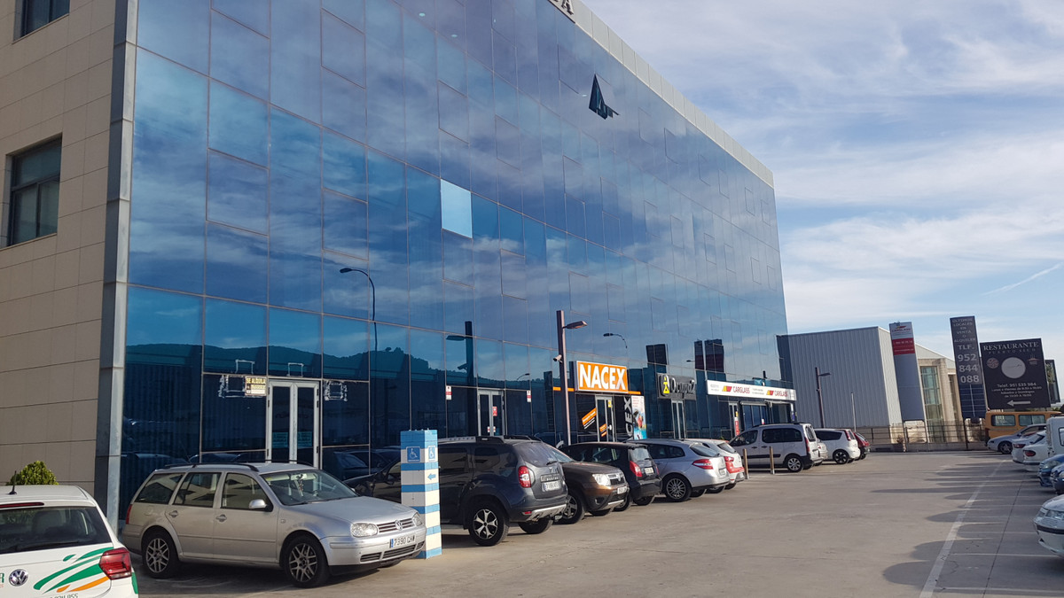 Investment Opportunity - Large modern office situated on the corridor to Malaga, Seville, Cordoba an,Spain