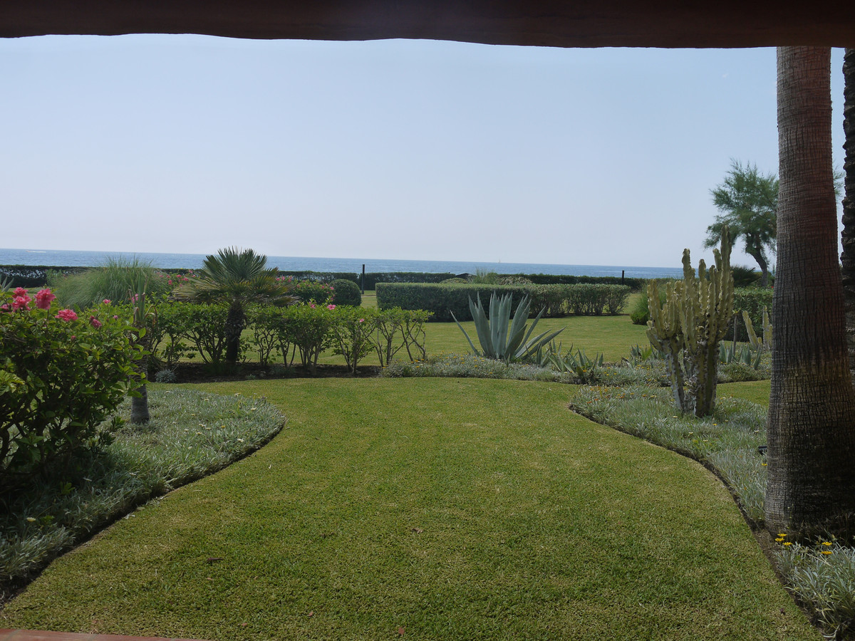 4 Bedroom Apartment For Sale, Los Monteros