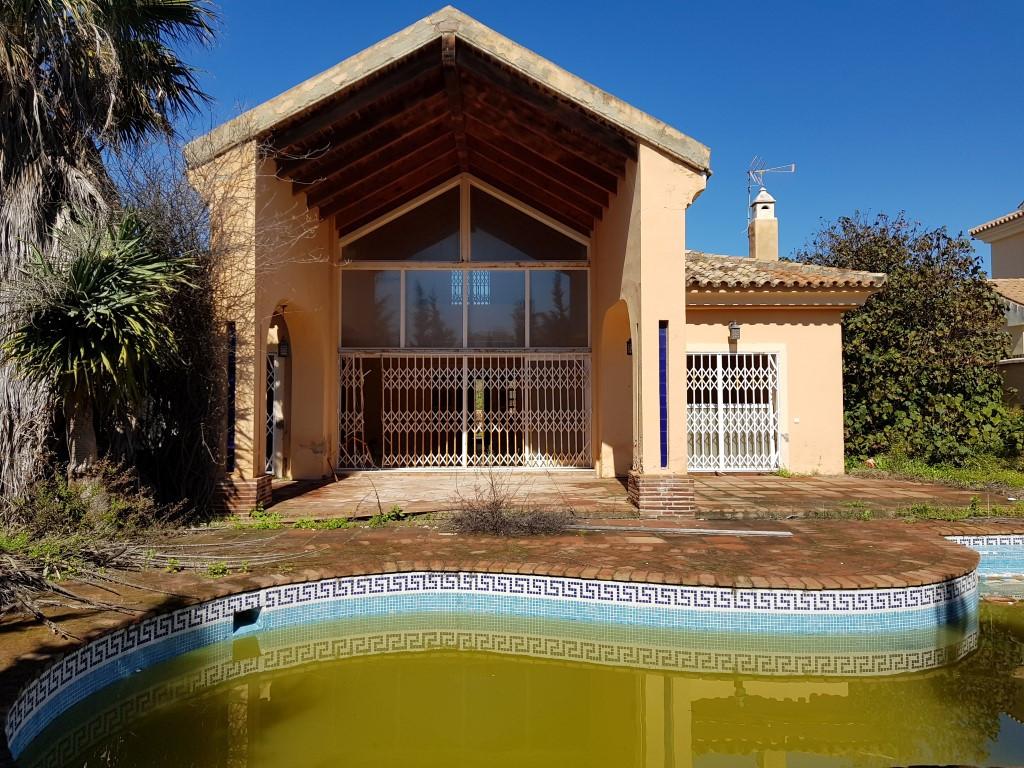 Villa in Casares Playa