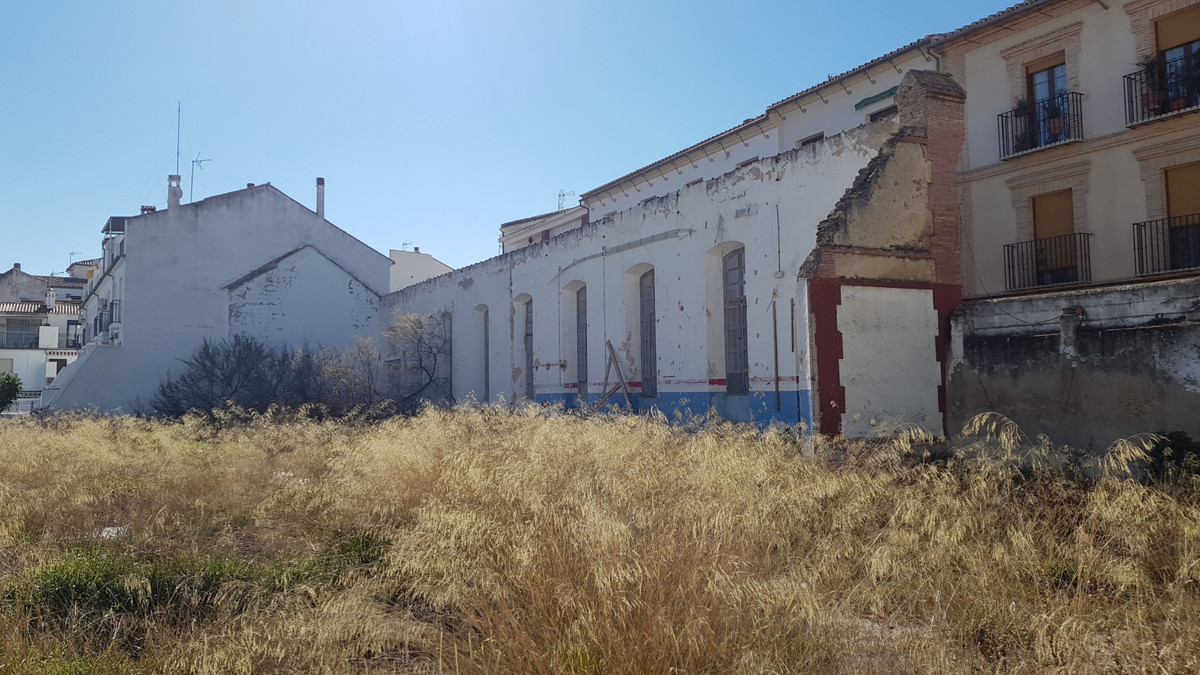 Investment Opportunity - Residential land in the centre of Antequera to build 42 apartments in one o, Spain