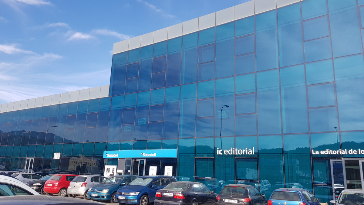 Ideally located office situated in Edificio Antequera with a working space of over 500M2 which is di, Spain