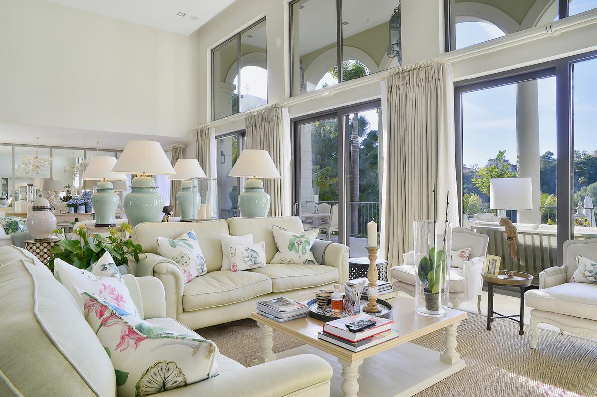 Villa en Venta en Benahavís – R3708899