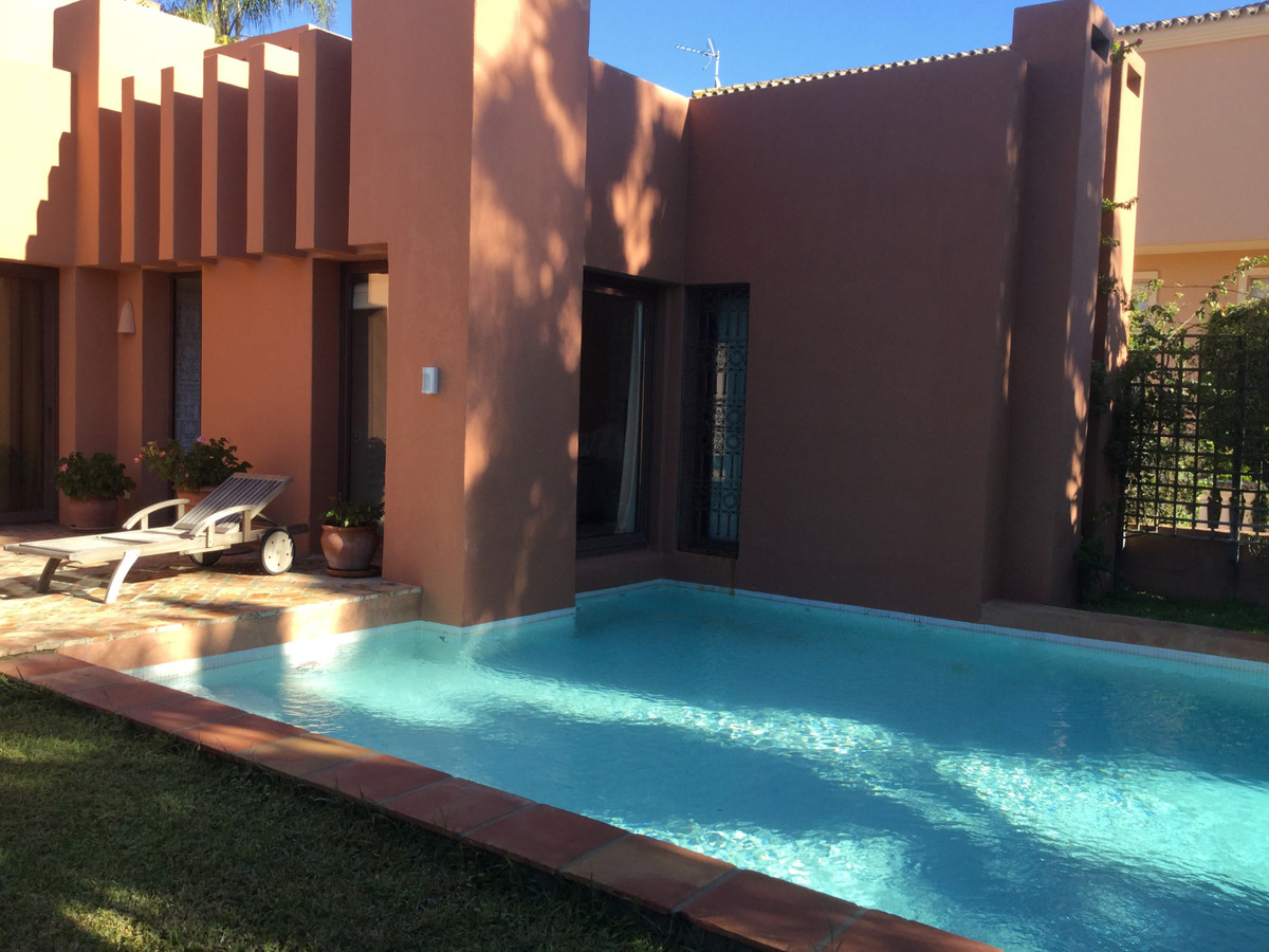 LOCATION ! LOCATION ! LOCATION ! Magnificent and very exceptional villa for sale in Nueva Andalucia ,Spain