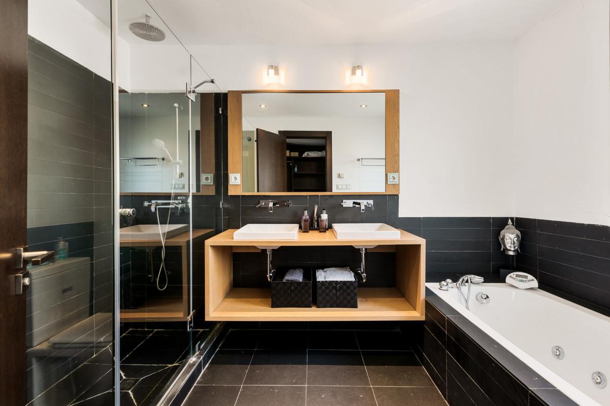 Apartamento en Venta en Benahavís – R3605375
