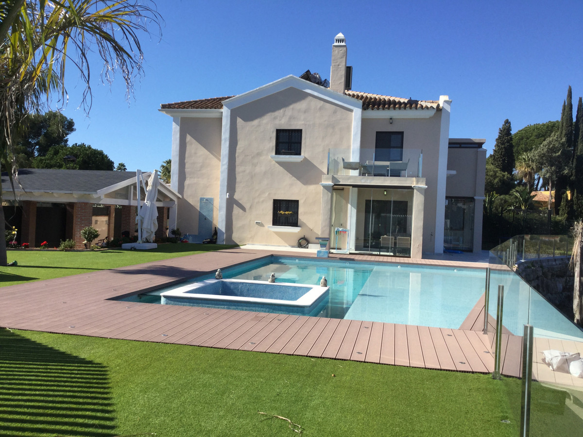 Semi-Detached House in Guadalmina Alta R3376429