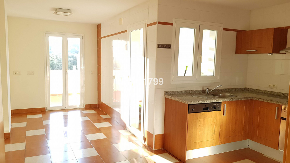 This 3 bed apartment is located in a lovely urbanisation in Pueblo Nuevo de Guadiaro. It is spacious,Spain