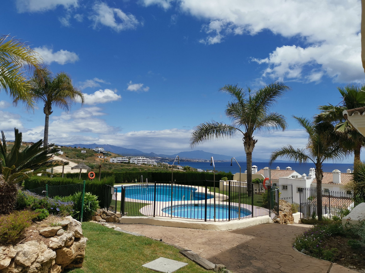 Ground Floor Apartment for sale in Casares R3839203