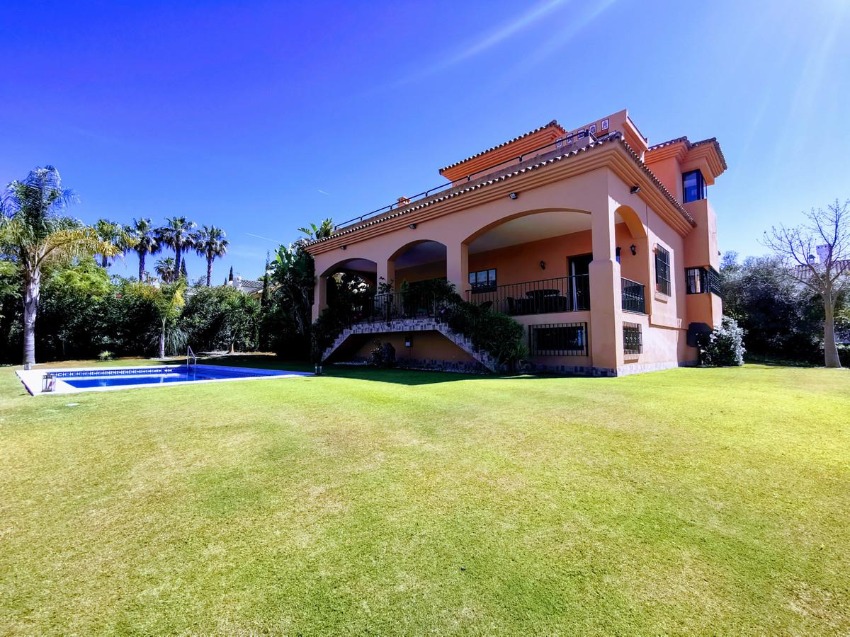 Villa  Independiente en venta   en Sotogrande