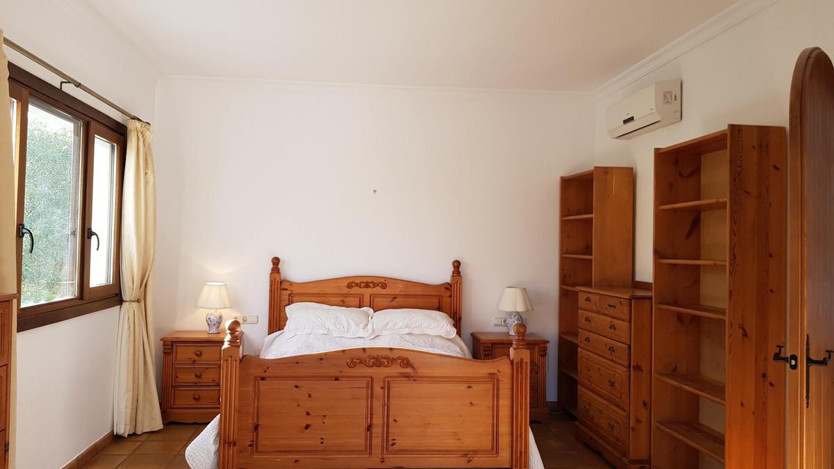 4 Bedroom Villa For Sale, Sotogrande Alto