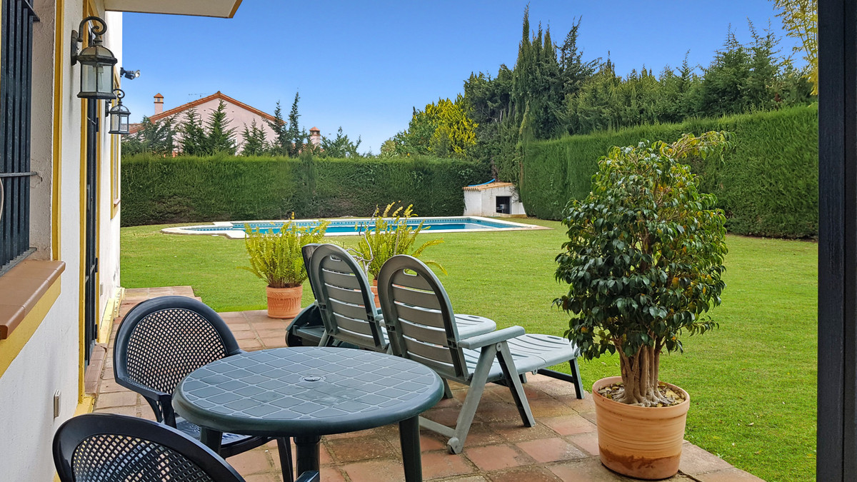 This is a five-bedroom villa for sale, in the heart of the residential area of Sotogrande Bajo.  Sot,Spain