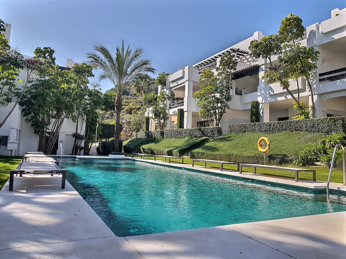 This Altos de Cortesin apartment is beautifully presented and located in the exclusive, 6 star, Finc,Spain