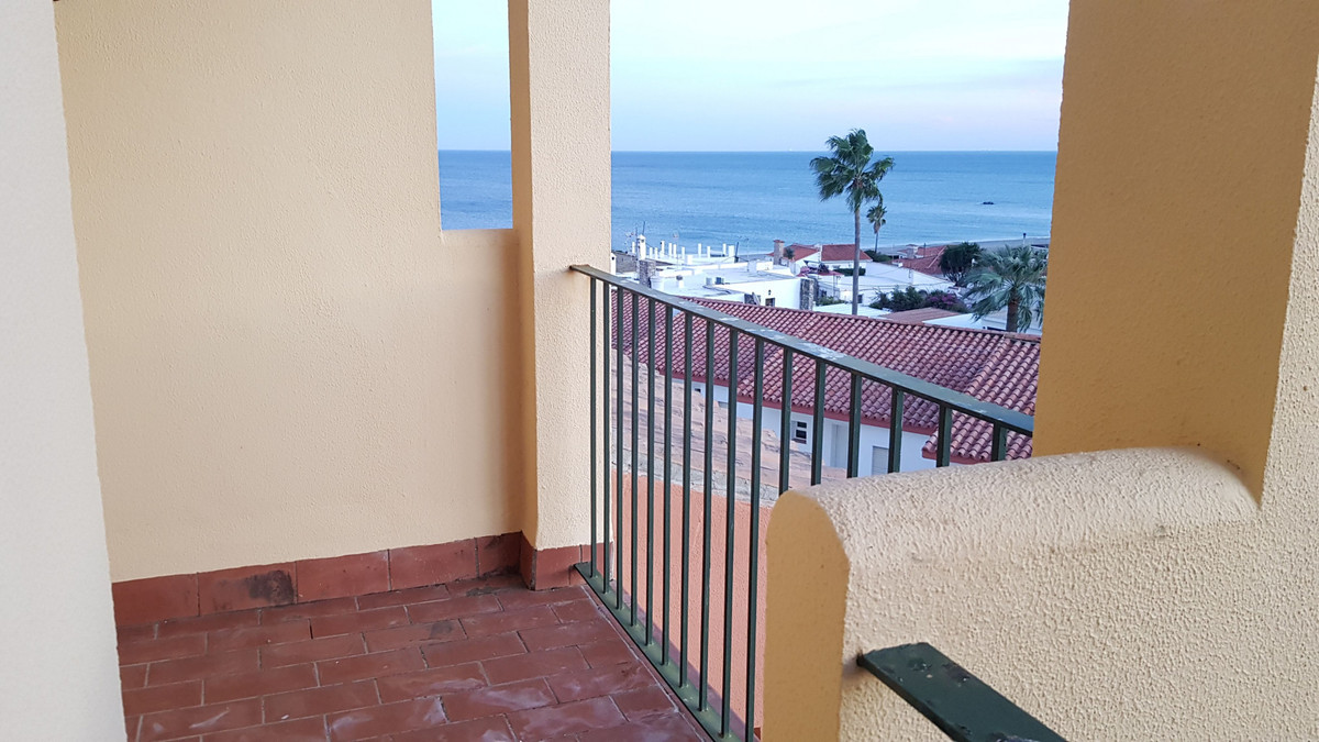 APARTMENT IN JARDINES DEL MAR - LA DUQUESA BARGAIN- Lovely 2 bedroom apartment on the front line bea, Spain