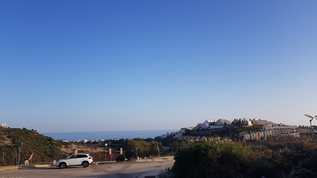 Large plot with stunning views located on the Majestic development in Casares. This is one of the be, Spain