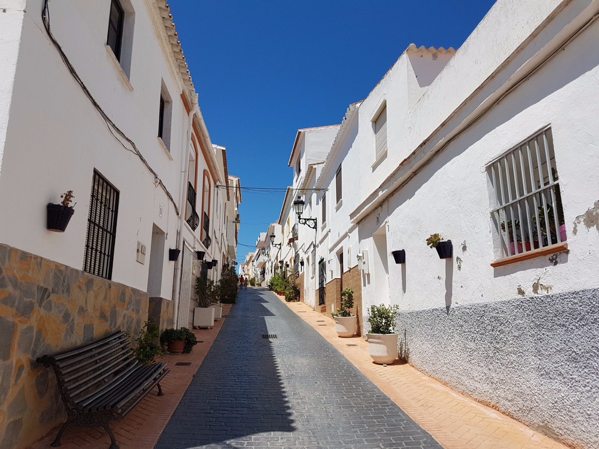 2 bed Townhouse for sale in Manilva