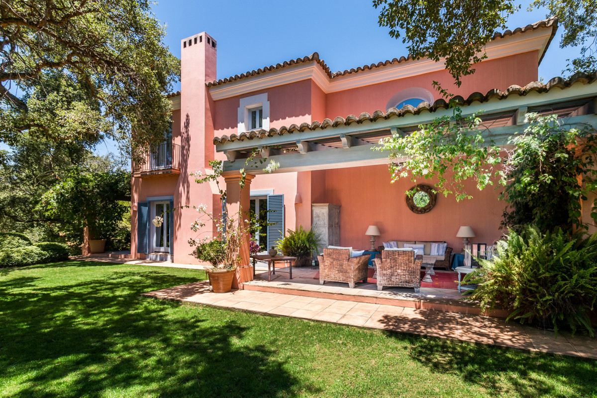 Absolutely fabulous, Spanish style Villa located in the exclusive Los Altos de Valderrama, on the do, Spain