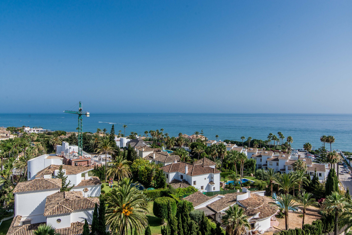 Cozy and functional studio in the beach area, distributed in a large living room with double bed, on,Spain
