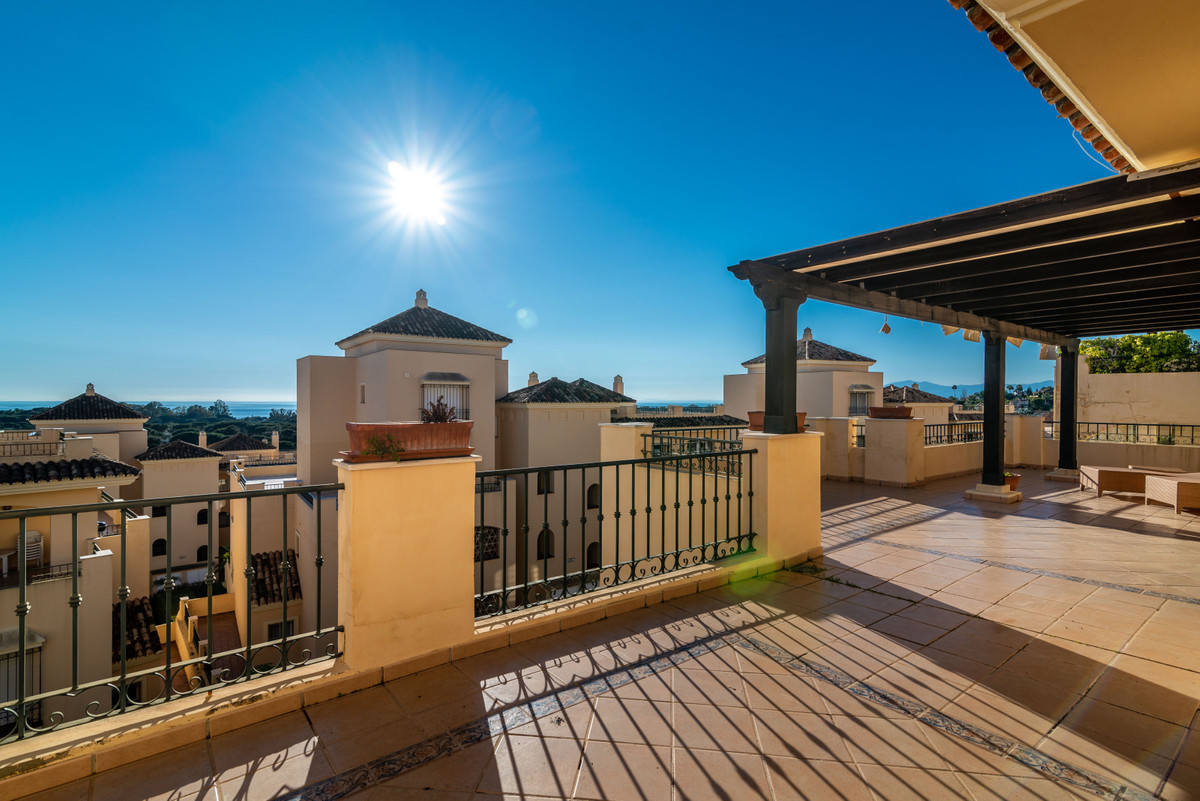 Apartment  Penthouse 													for sale  															and for rent 																			 in Elviria