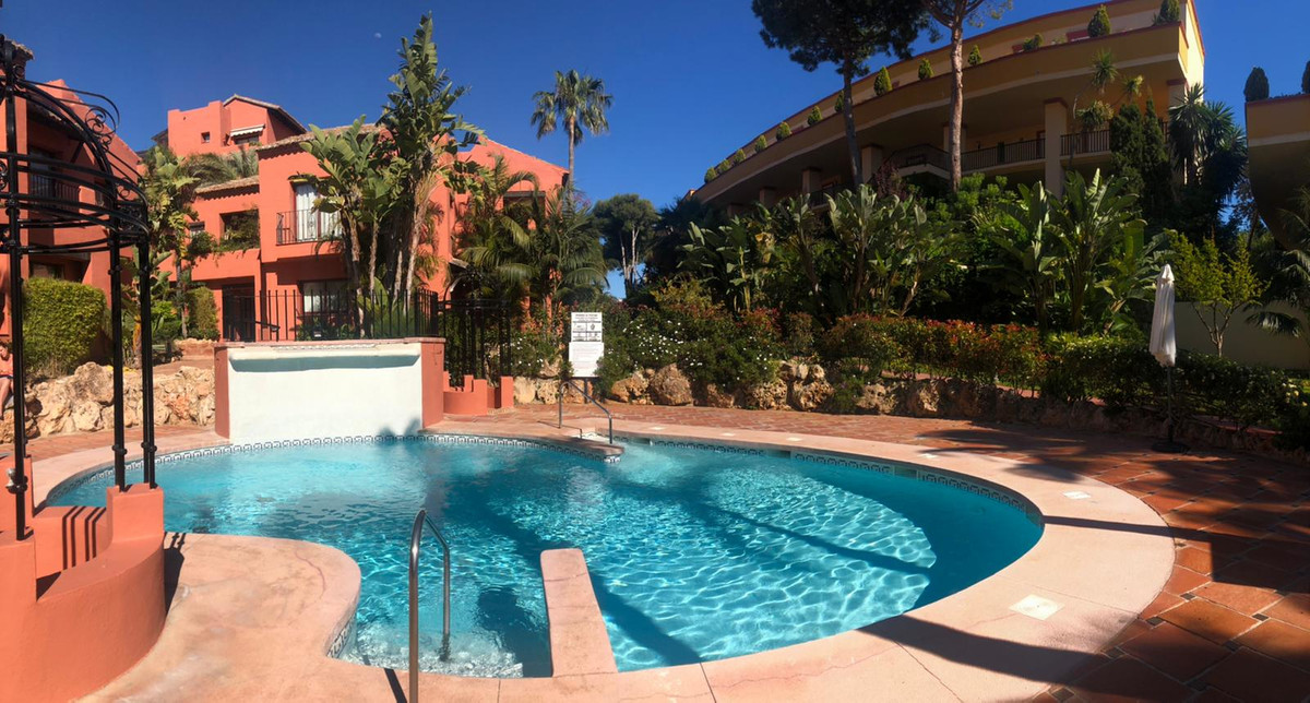 2 Bedroom Apartment For Sale, Elviria
