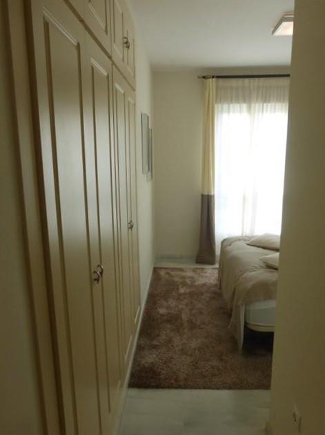 Apartamento con 3 Dormitorios en Venta Elviria