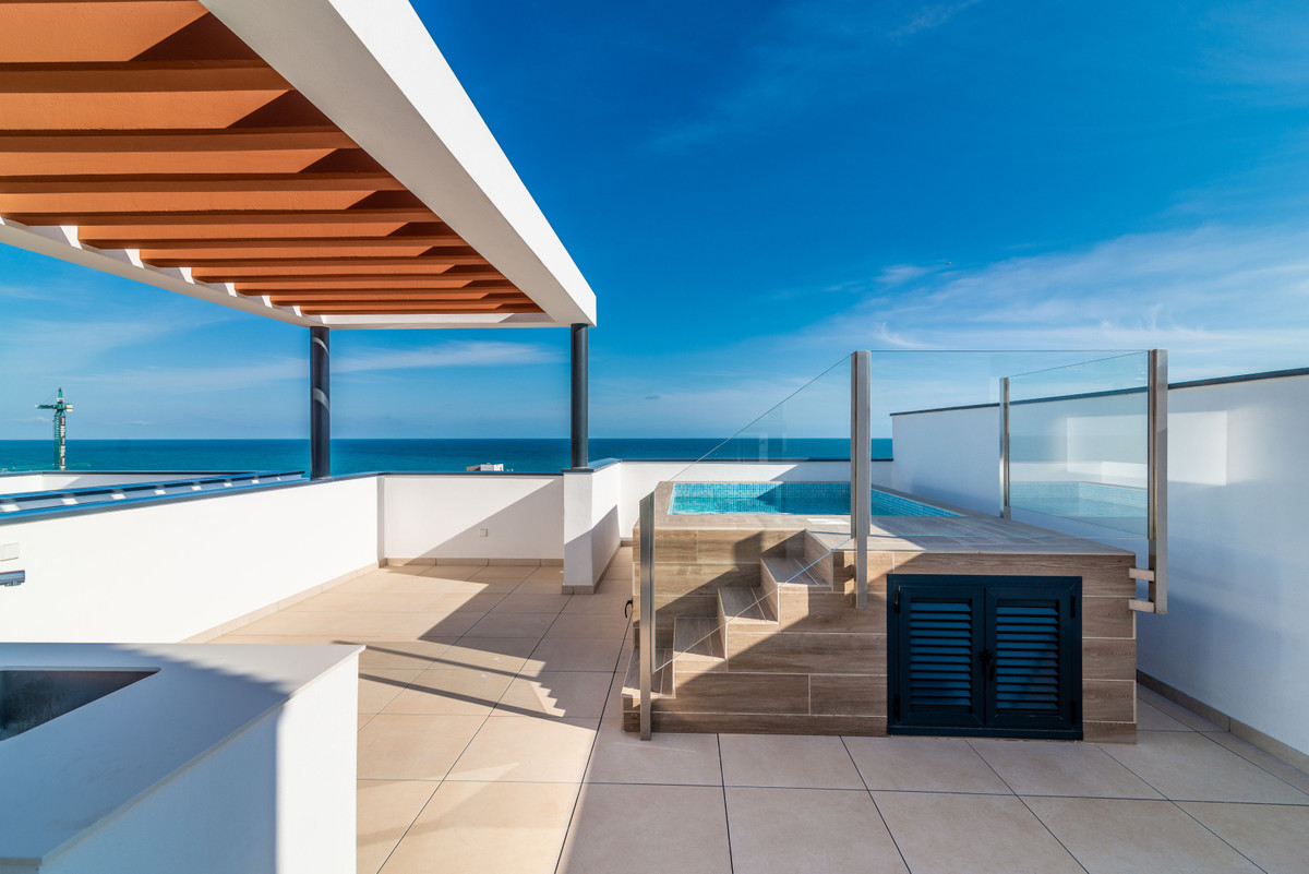 FANTASTIC PENTHOUSE, WHICH HAS ABSOLUTELY EVERYTHING!  Location  - At Carvajal / El Higueron Fuengir,Spain