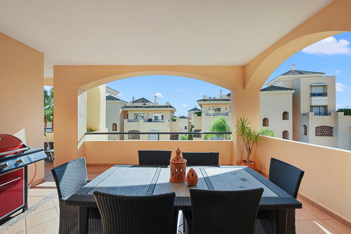 Beautiful three bedroom apartment in Hacienda Elviria, one of the most sought-after urbanizations in, Spain