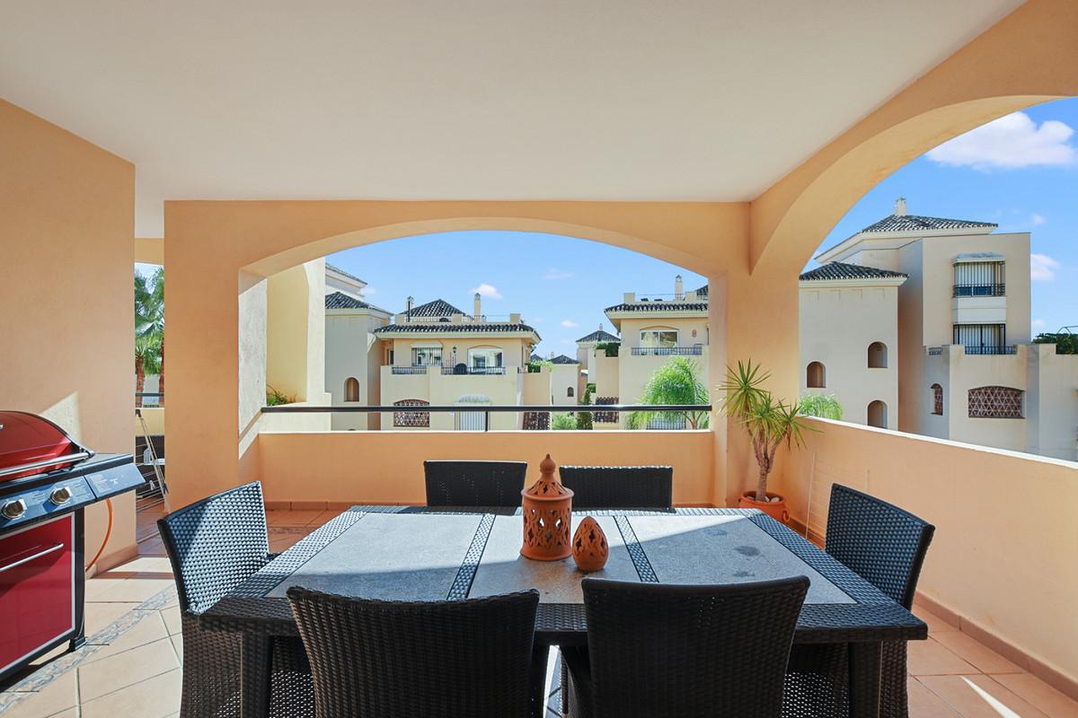 Middle Floor Apartment in Elviria R3303109