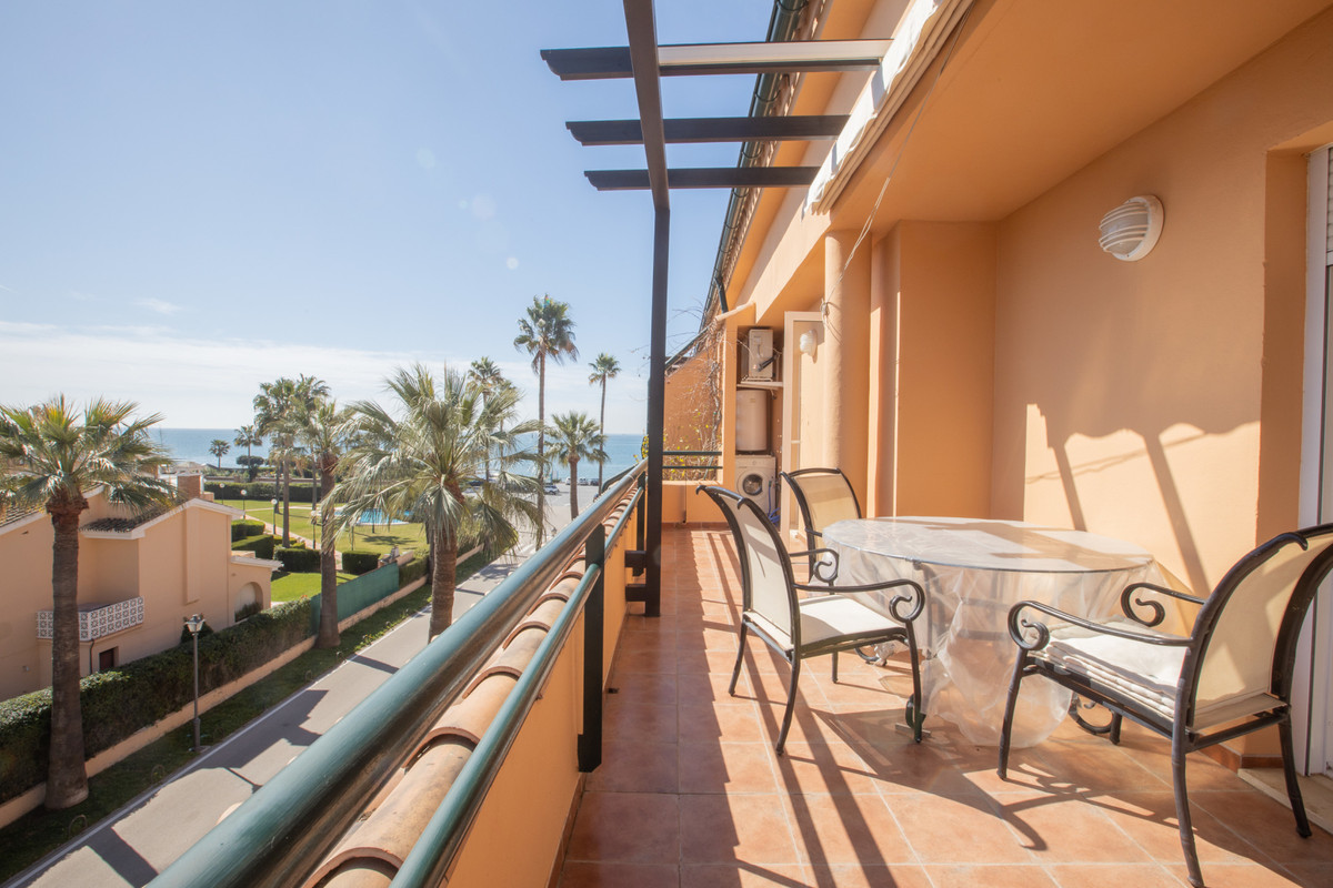 Top Floor Apartment in Las Chapas