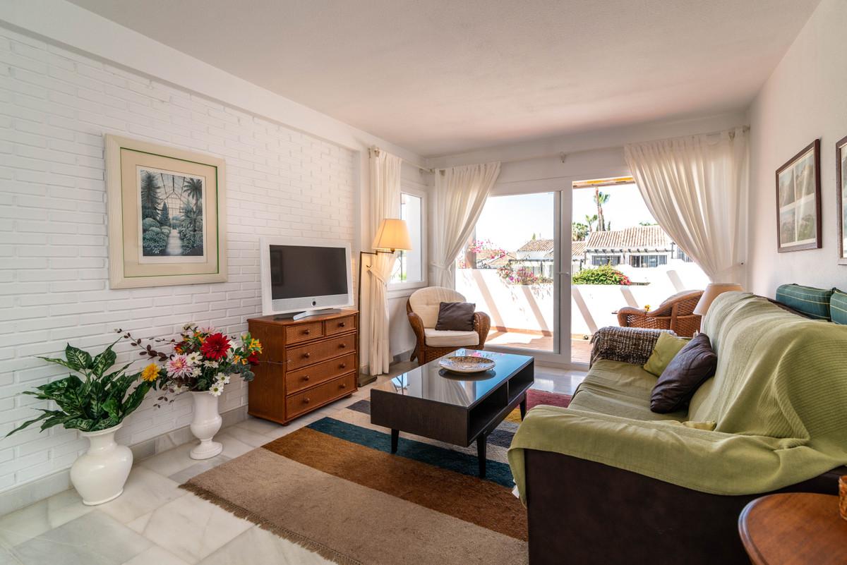 Apartamento en Planta Última en Venta en Marbella – R3481414
