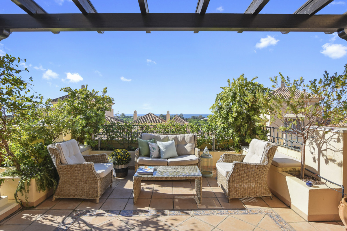 With its four bedrooms and four bathrooms, proximity to the beach, restaurants and other activities,,Spain