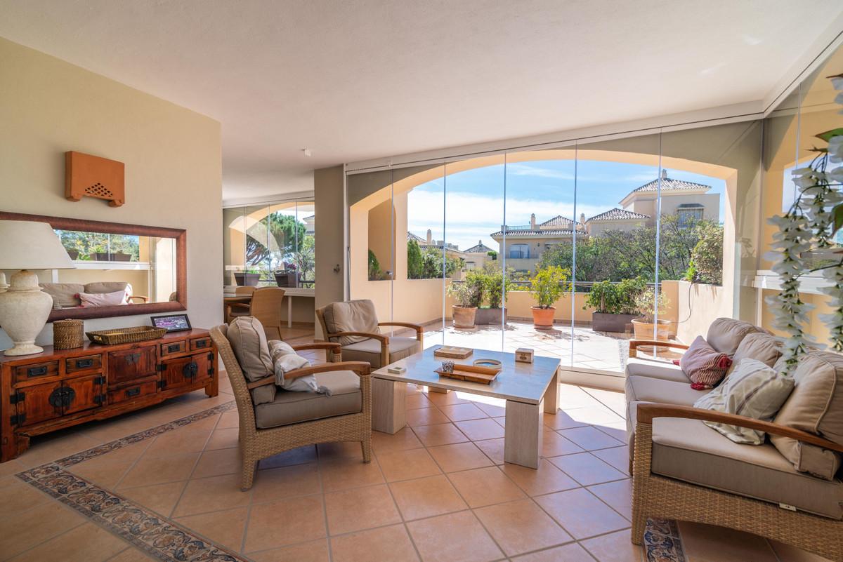 Marbella Banus Apartamento Planta Media en Venta en Elviria – R3501823