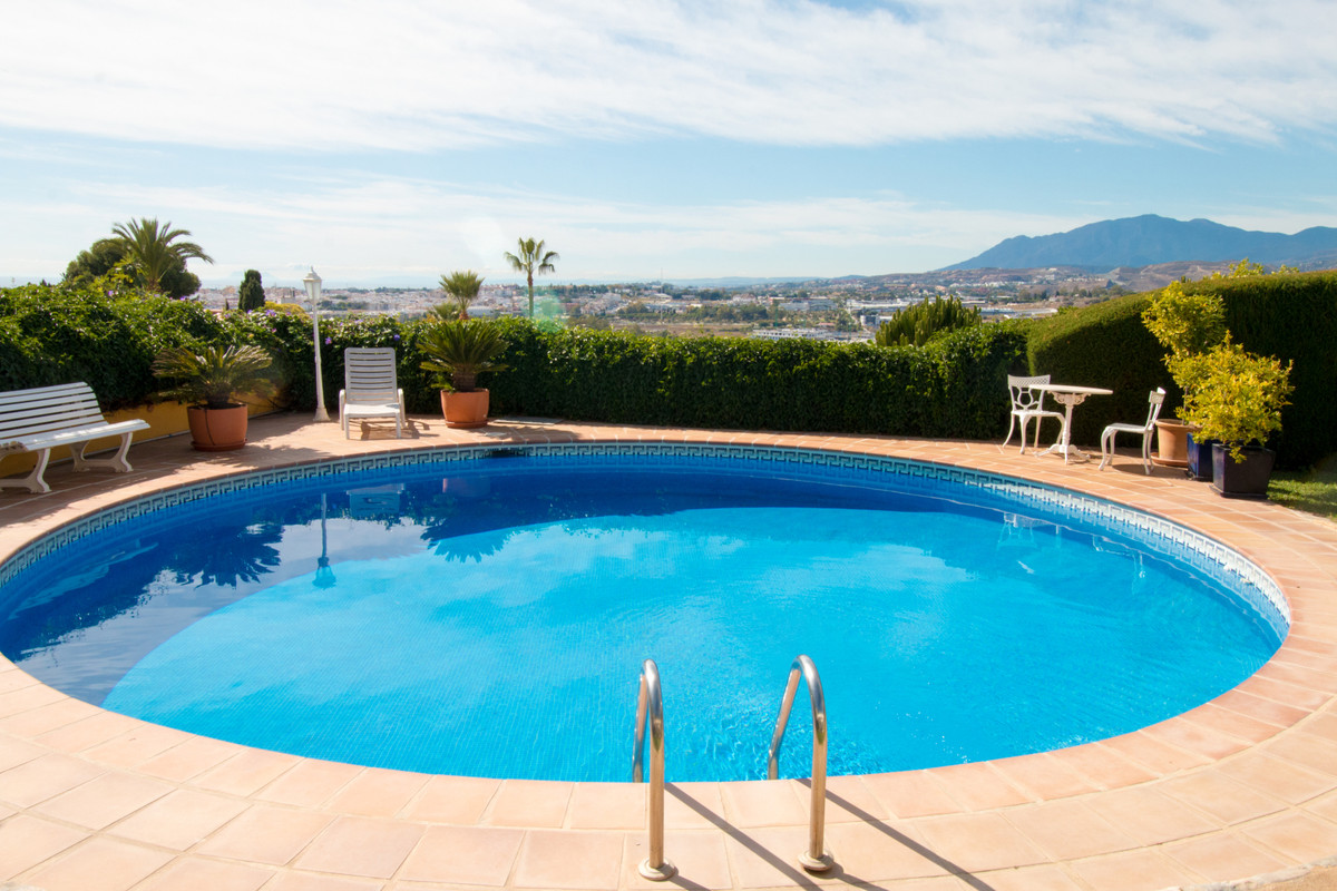 Apartamento en Venta en Nueva Andalucía – R3537460