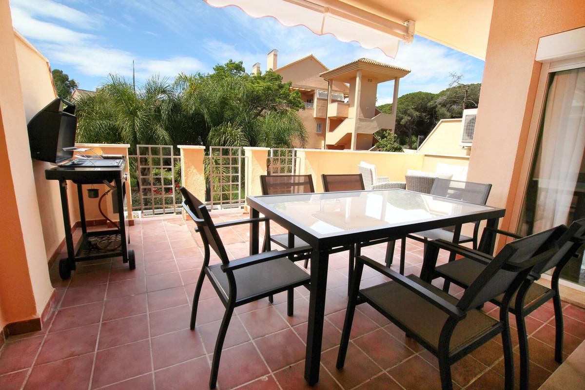Marbella Banus Apartamento Planta Media en Venta en Elviria – R3536185