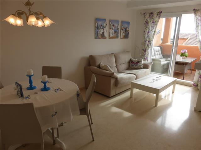 Apartamento en Venta en Elviria – R2919740