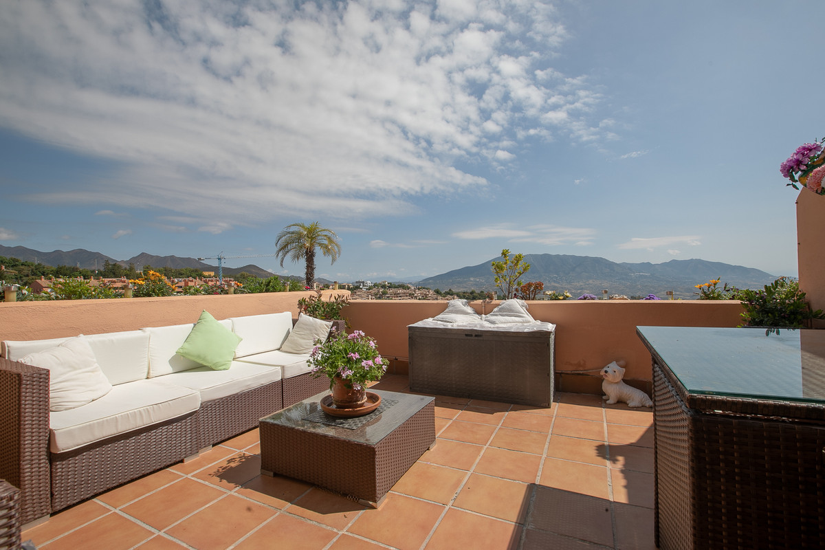 Magnificent penthouse located in the complex Marbella Hill View. charming sea and mountain views. Th, Spain