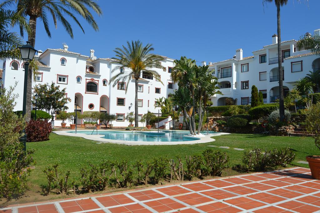 Spacious duplex on the top floor, which has a very large living room with fireplace, fully equipped , Spain