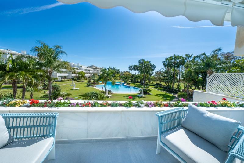 Marbella Banus Apartamento Planta Media, Nueva Andalucía – R3619739
