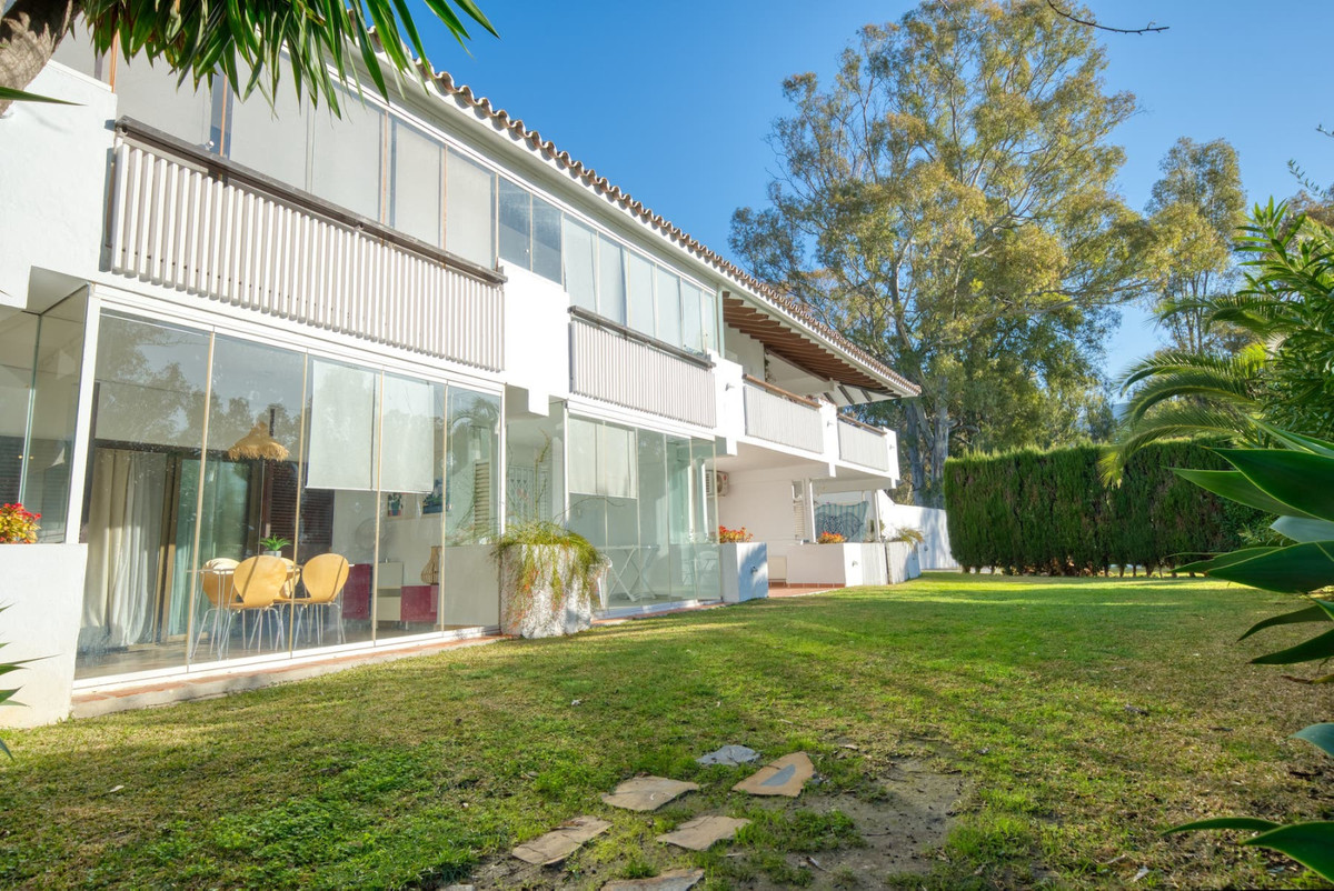 If you are looking for an apartment within walking distance to the beach, then this could be for you,Spain