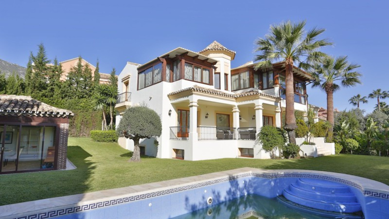 Elegant villa set in a luxurious urbanization in the hills behind Marbella only a few minutes from t, Spain