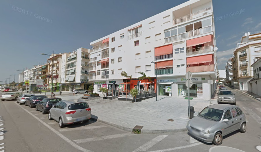 Shop, San Pedro de Alcantara, Costa del Sol. Built 240 m², Terrace 80 m².  Setting : Town, Commercia, Spain