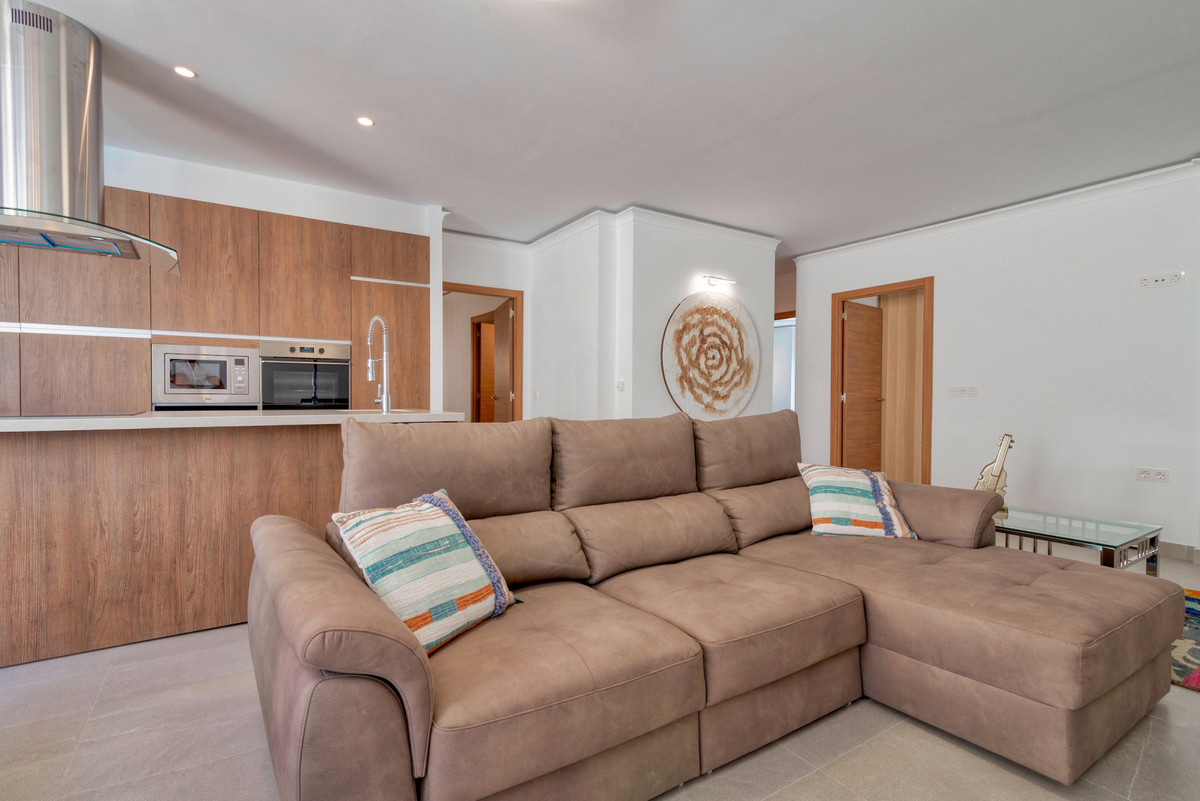 Middle Floor Apartment in Puerto Banús R3468085