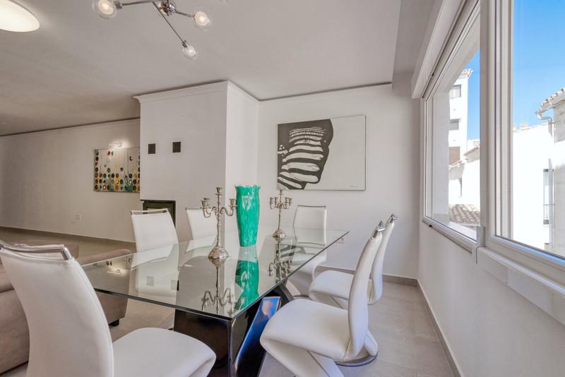 Apartamento Planta Media en venta, Puerto Banús – R3468085