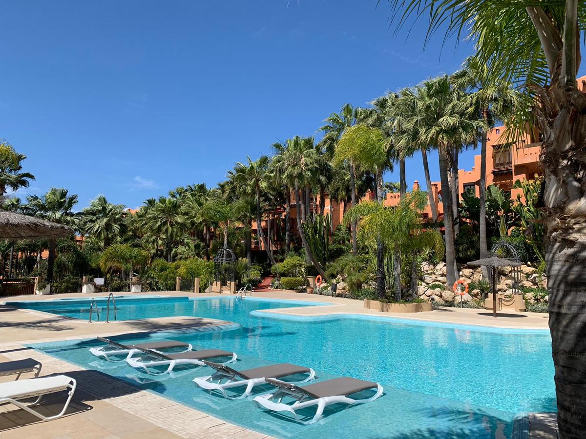 Marbella Banus Apartamento Planta Media en Venta en Marbella – R3404137