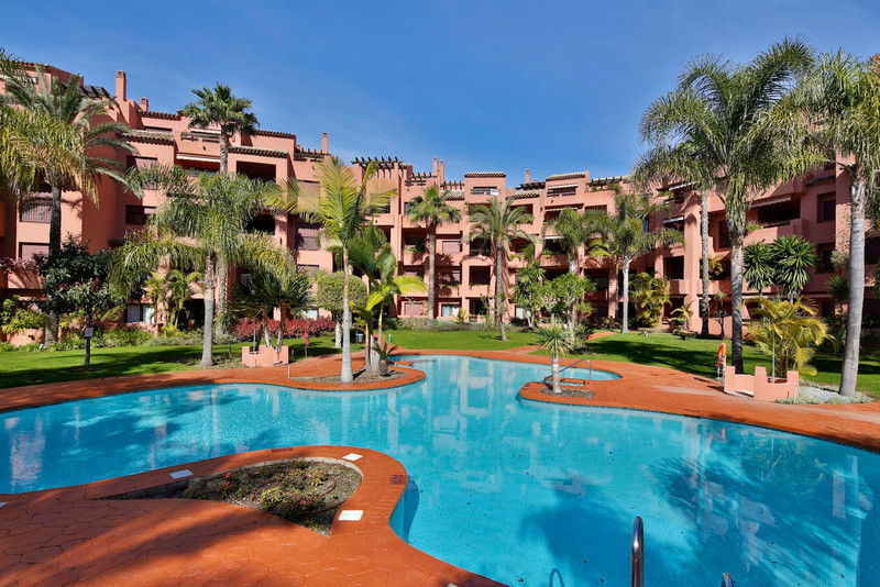 Middle Floor Apartment Los Monteros