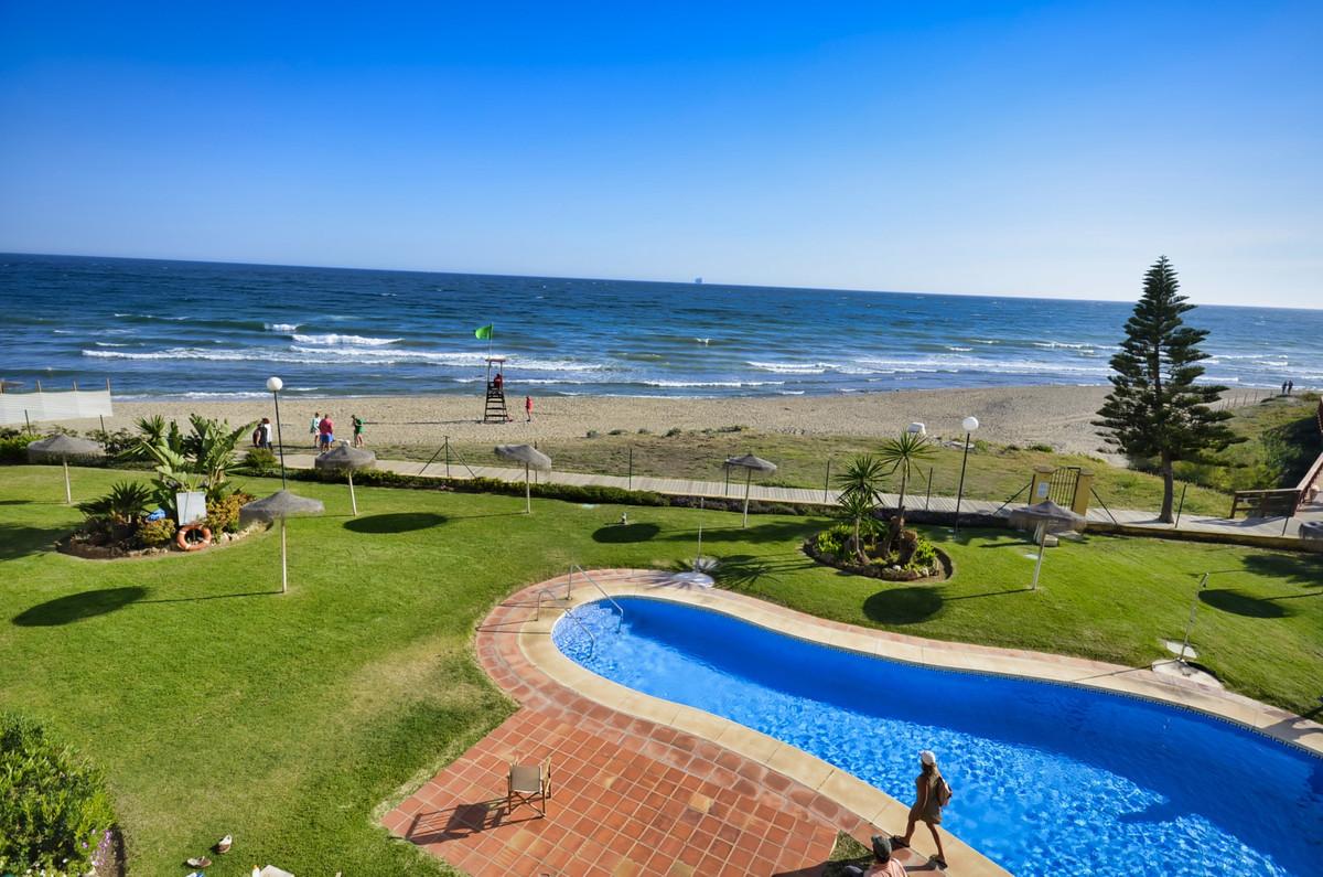 Marbella Banus Apartamento en Venta en Calahonda – R3397555