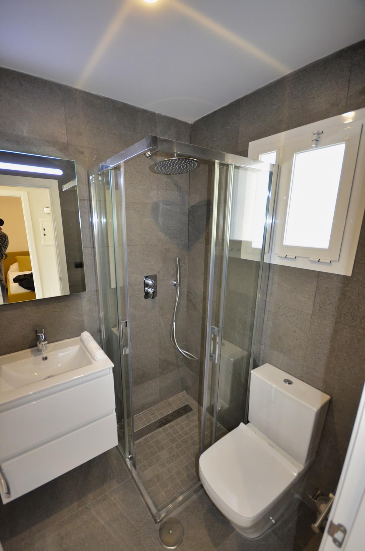 Apartamento en Venta en Calahonda – R3397555