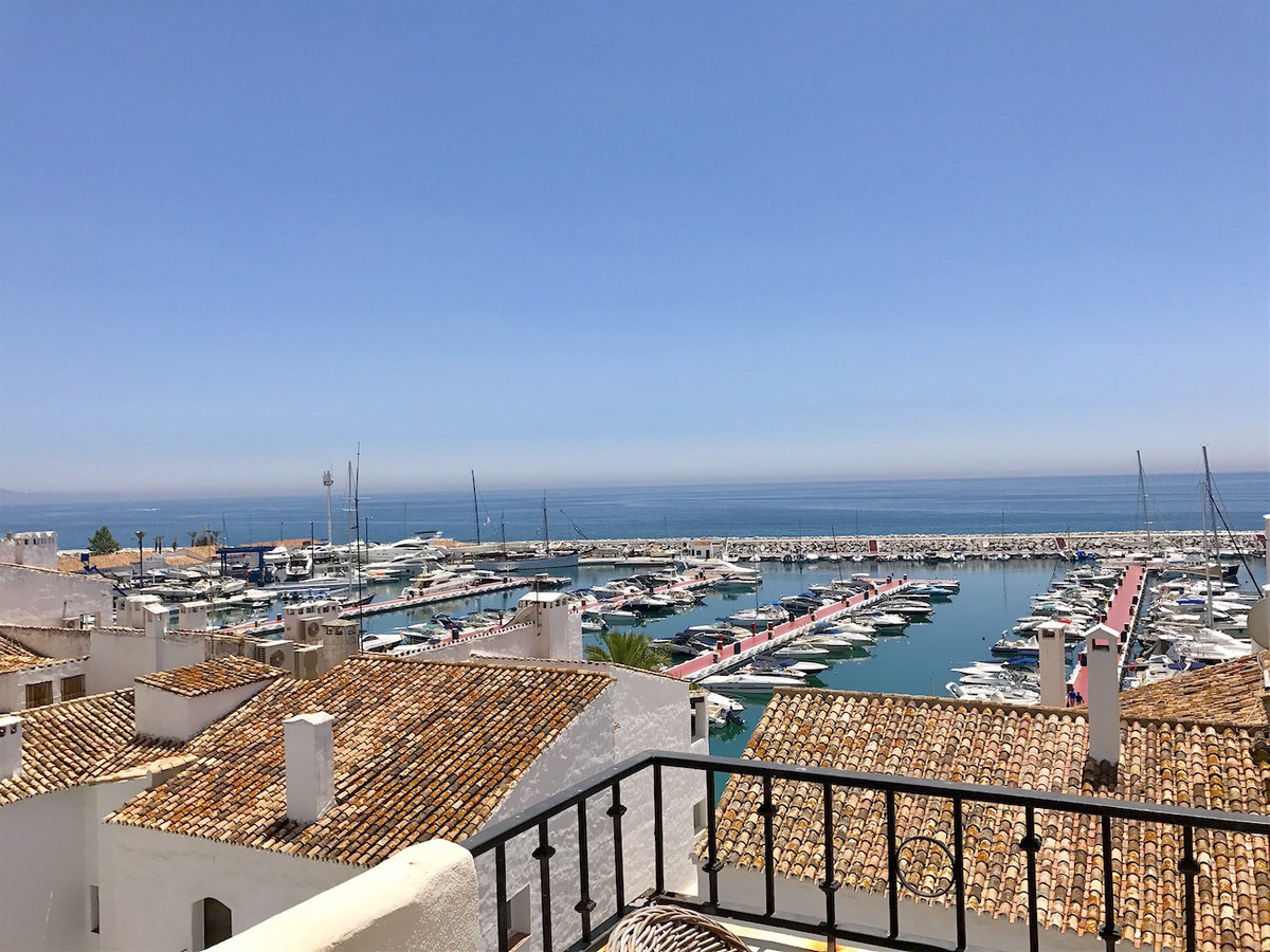 Lovely apartment situated in the heart of famous Marina Puerto Banus, second line to the harbour enj,Spain
