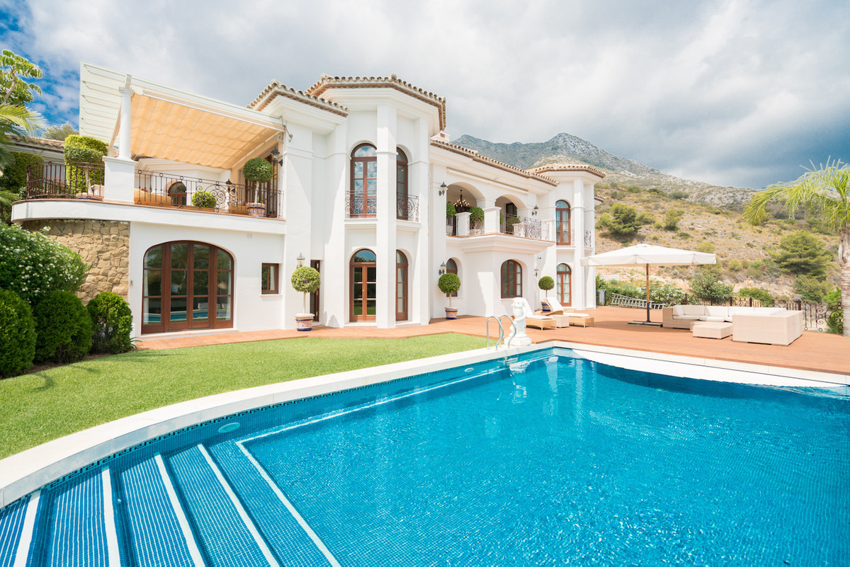 Elegant  recently reformed villa  situated in an elevated position at the feet of the Concha Mountai, Spain