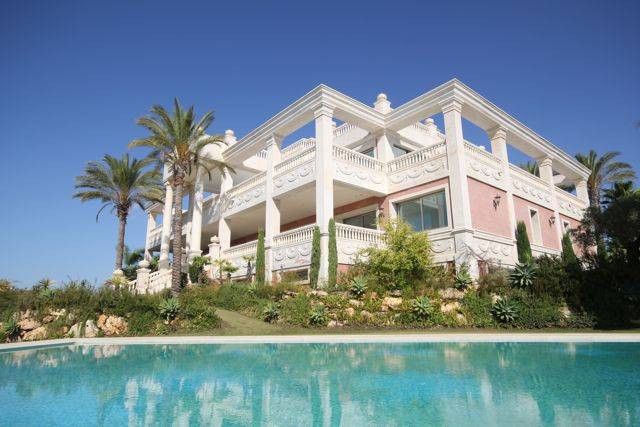 Large private LUXURY MANSION in Marbella situated in a dominating position on top of golf resort wit, Spain