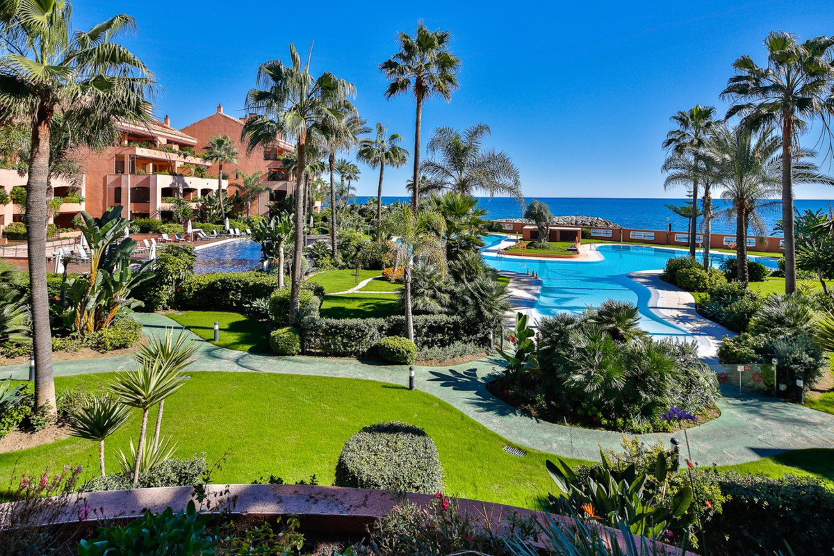 This apartment is located in one of the most luxurious residential complexes on the coast. It is a f, Spain