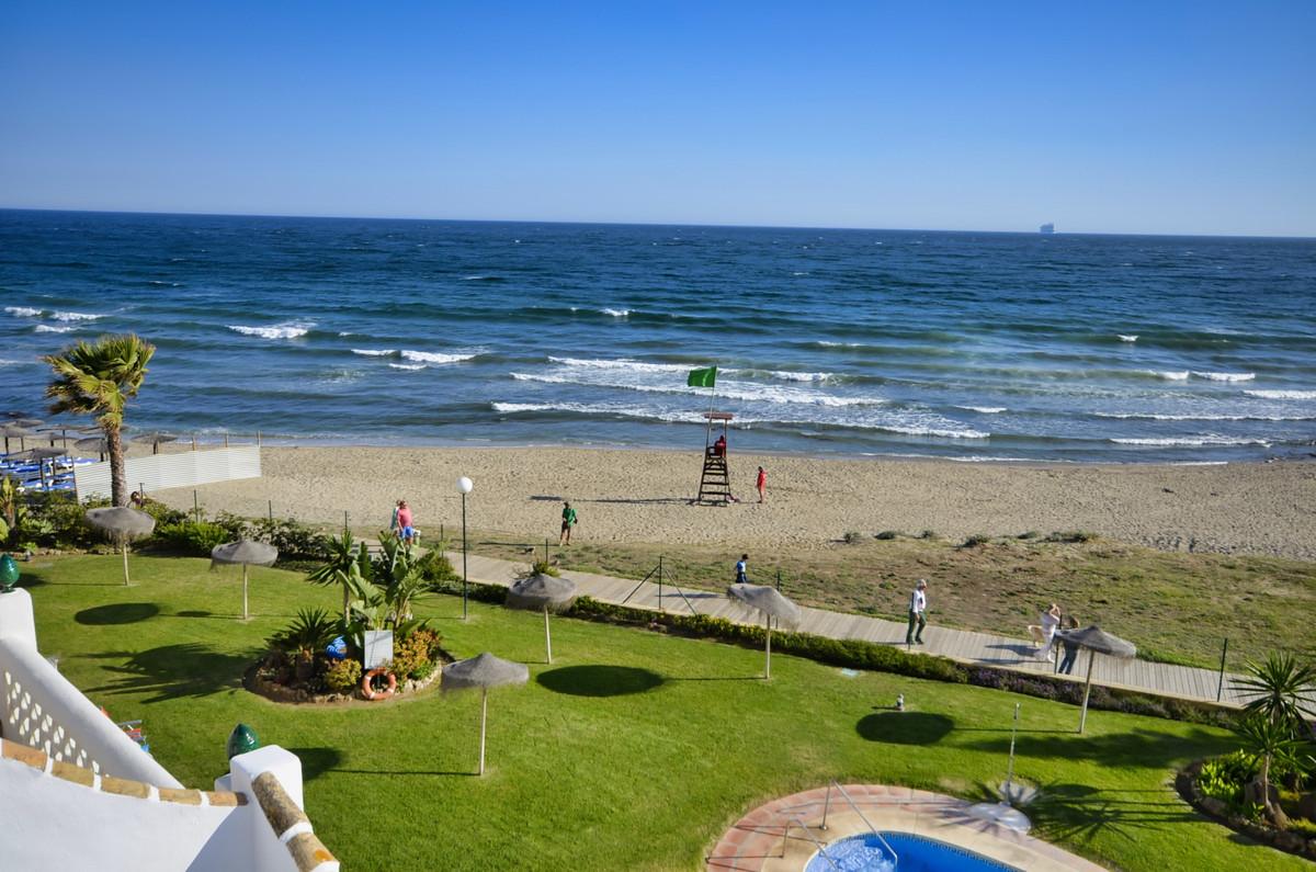 Marbella Banus Apartamento en Venta en Calahonda – R3425008